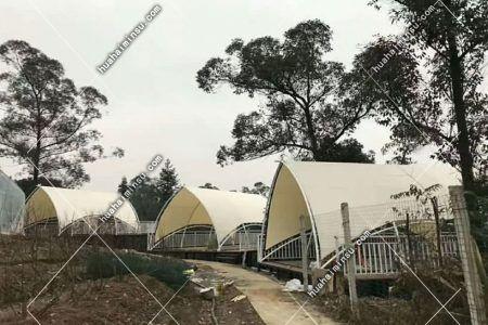 户外景区弧形营地帐篷 公园张拉膜烧烤露营帐篷
