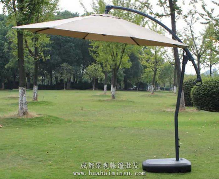 四川成都户外太阳伞香蕉伞 伞面360度旋转