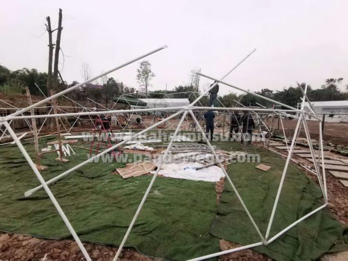 学习星空球形帐篷的安装步骤