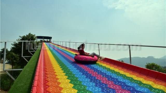 当彩虹滑道遇上星空房,少儿帐篷营地活动不断